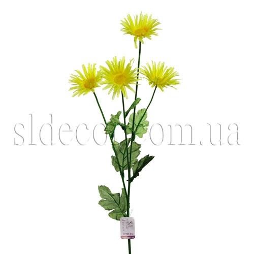 Ветка желтой хризантемы