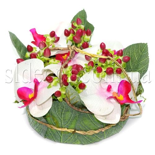 Корзинка с орхидеями