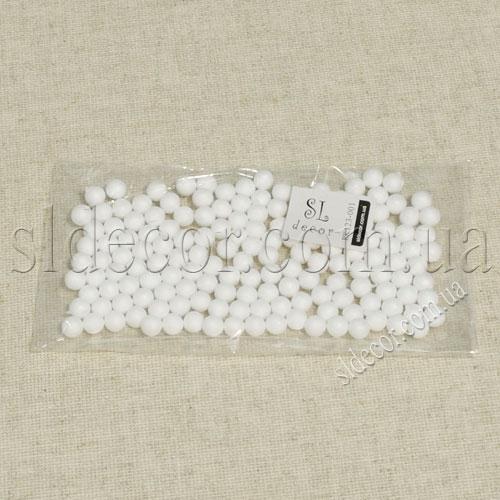 Маленькие пенопластовые шарики