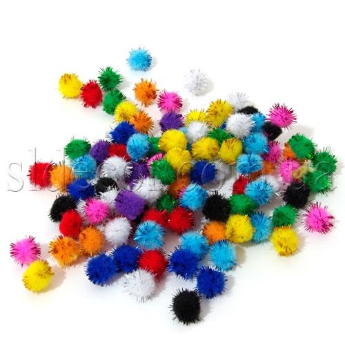 Маленькие помпоны для игрушек