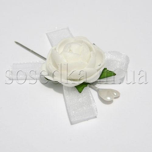Роза на иголочке
