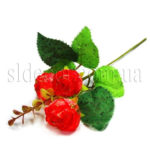 Бутоны роз на веточке