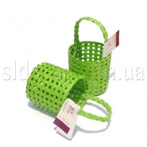 Маленькая плетеная корзиночка