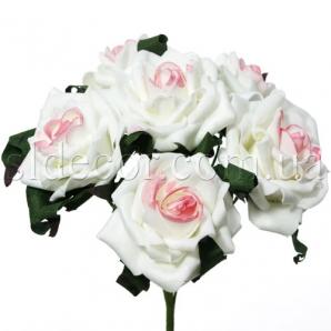 Розы из латекса с листочками