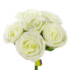 Букет из шести кремовых роз